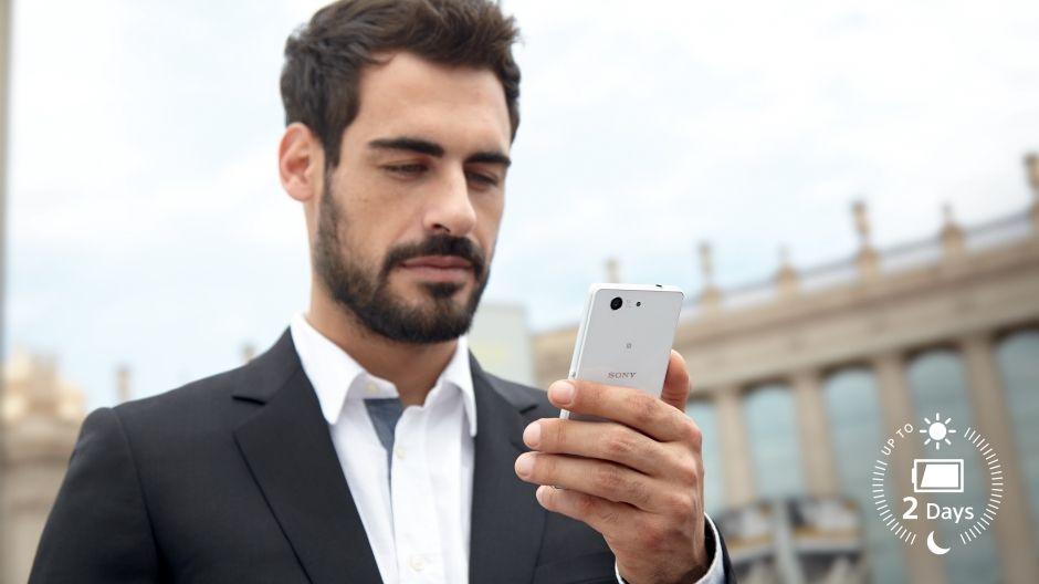 Прогулка на свежем воздухе со смартфоном Xperia Z3 Compact